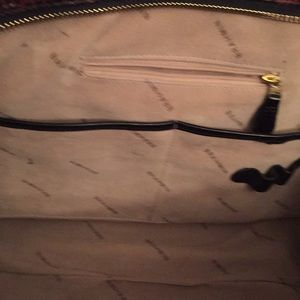 Brahmin Bags - Leather Brahmin bag with brown trim. Lovingly used